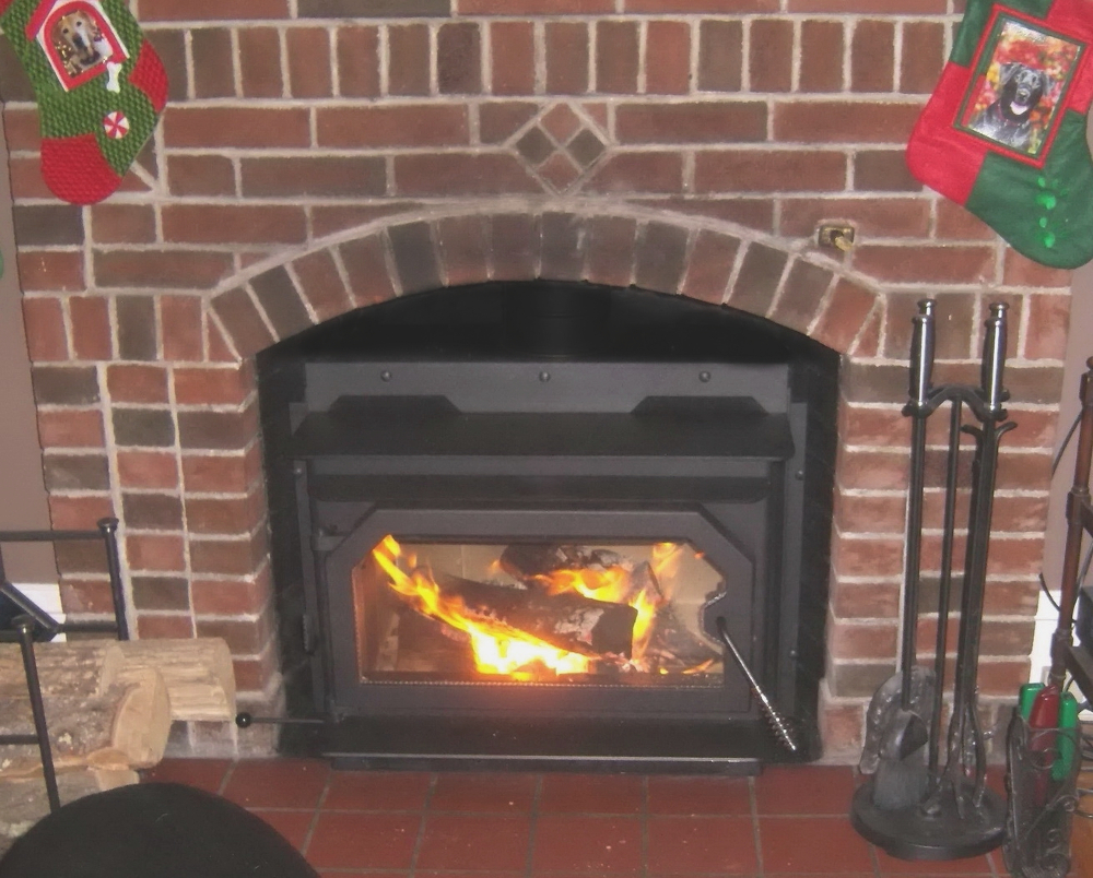 Country flame wood stove insert - 2830